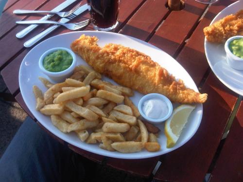 Fish on fridays for Why do catholics eat fish on friday